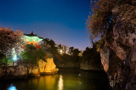 Yongyeon Pond with Yongyeon Pavilion illuminated at night, Jeju islands, South Korea Zdjęcie Seryjne