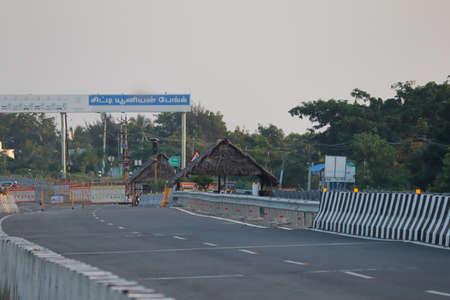 Chennai, Tamilnadu, India. Oct 18 , 2020. Check post on National Highway near Chennai city of India 新闻类图片