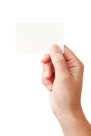 dando la mano: Tarjeta de presentación de papel en blanco, closeup aislada sobre fondo blanco de mano del empresario