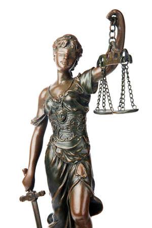 gerechtigkeit: Themis, mythologischen griechischen G�ttin, Symbol f�r Justiz, Blind und Holding leere Gleichgewicht in der einen Hand und Schwert in einem anderen, isolated on white background  Lizenzfreie Bilder