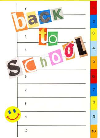 datos personales: A concepto de escuela: marcadores portátil multimedia con letras de recorte de papel gracioso y color, espacio de copia para su información