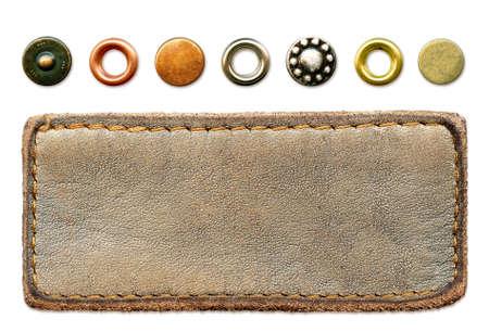 etiquetas de ropa: Etiqueta de altamente detalladas de cuero blanco con conjunto de remaches de metales