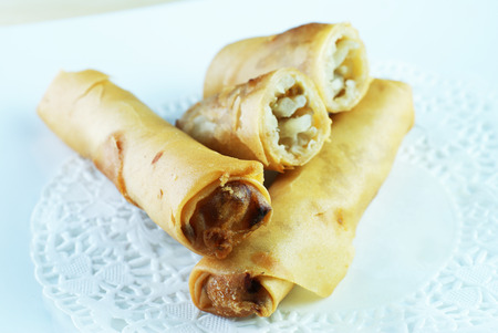 titbits: Malay traditional food - Kuih Popia or Fried Popiah or Spring Rolls