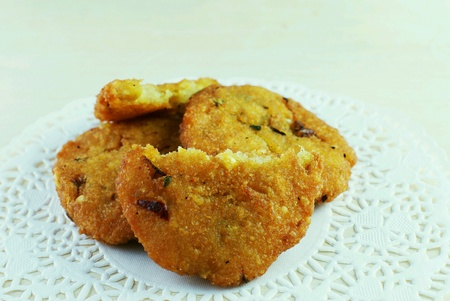 Malay traditional food - Kuih Vadeh - fried dhal beans cake