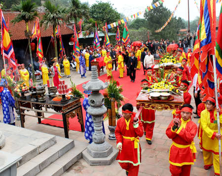 palanquin: HAI DUONG, VIETNAM, February, 25: Group of people in traditional costume palanquin procession holy at at Con Son, Kiep Bac festival on February, 25, 2013 in Hai Duong, Vietnam. palanquin procession of holy is the sacred ceremonie of festival