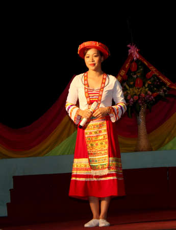 adult vietnam: HAI DUONG, VIETNAM, September, 14: Vietnam in traditional dress on September, 14, 2012 in Hai Duong, Vietnam