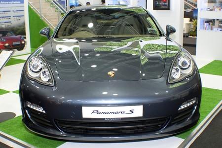 KUALA LUMPUR, MALAYSIA - MEI 19 : A Porsche Panamera S (Model Year 2010) is on display duringthe 6th World Islamic Economic Forum (WIEF) Mei 19, 2010 in Kuala Lumpur Malaysia. Stock Photo - 7007048