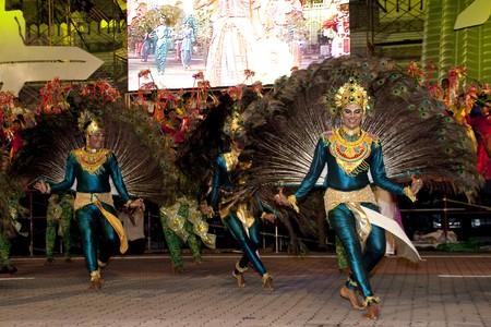 KUALA LUMPUR, MALAYSIA - MEI 21 : Dancers performing an indian tradisional dance during the rehearsal of Colours of Malaysia Festival Mei 21, 2010 in Kuala Lumpur Malaysia.