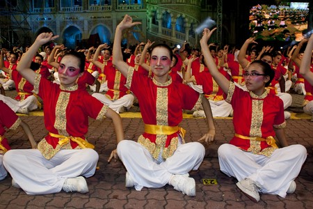 KUALA LUMPUR, MALAYSIA - MEI 21 : Dancers performing the dikir barat during the rehearsal of Colours of Malaysia Festival Mei 21, 2010 in Kuala Lumpur Malaysia.