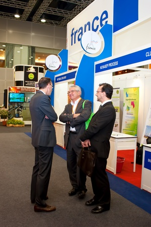 expositor: KUALA LUMPUR, 22 de noviembre: Expositor y los inversionistas de Francia en el debate en profundidad durante el 2011 BioMalaysia de Congresos y Exposiciones el 22 de noviembre de 2011 en Kuala Lumpur, Malasia.