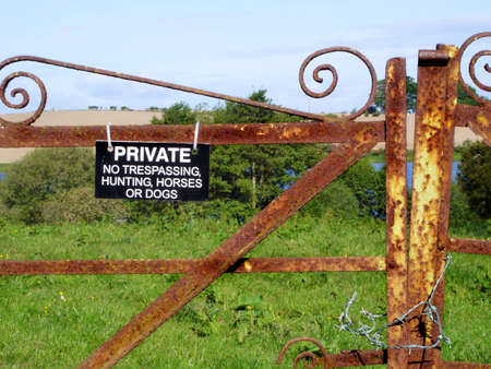 Private Land Sign                         photo