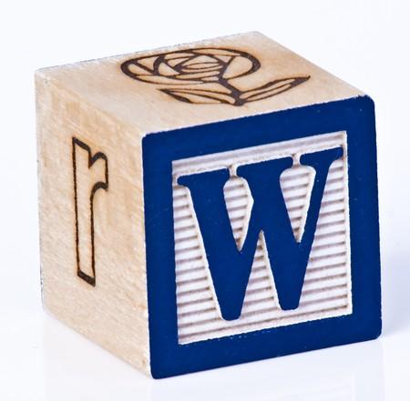 juguetes de madera: Madera de letra de bloque W