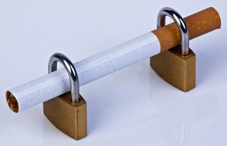 lock out: Lock out Smoking