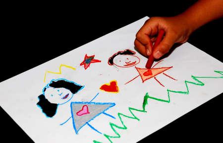 trekken: Kinder tekening en pennen op de tafel  Stockfoto