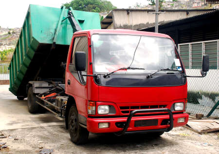 contruction: contruction lorry