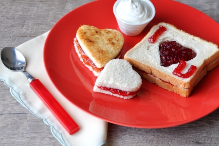 jam sandwich:  I love you  breakfast