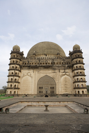 Gol Gumbaz,dome second largest one in world which unsupported by any pillars,Bijapur,Karnataka,India Stok Fotoğraf - 85738392