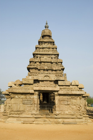 pallava: Shore temple,world heritage site,represents final phase of pallava art,originally constructed around 0middle of the 7th century,Mamallapuram,Tamilnadu,India LANG_EVOIMAGES