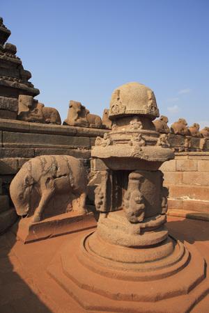 pallava: Shore temple dedicated to gods Vishnu and Shiva built c. 700 - 728,Mahabalipuram,District Chengalpattu,Tamil Nadu,India UNESCO World Heritage Site