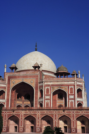 Humayuns tomb through arch built in 1570,Delhi,India UNESCO World Heritage Site