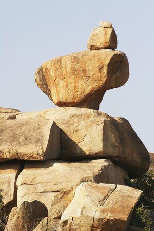 バランス岩、ハンピ・ヴィジャヤナガル遺跡、カルナタカ、インド
