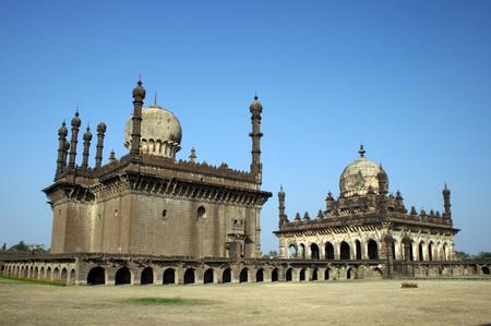 Mosque and sepulcher of Ibrahim Adil Shah,Ibrahim Roza,Bijapur,Karnataka,India Stok Fotoğraf - 85741134