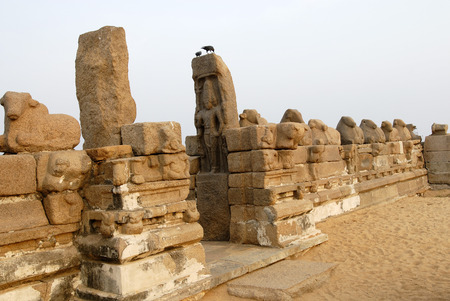 pallava: Shore Temple in Mahabalipuram is one of the oldest temple enclosed by row of bulls carved out of rock,Mahabalipuram,Tamil Nadu,India LANG_EVOIMAGES