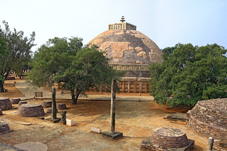 toran: View from north of stupa no 1 showing smaller stupas and pillars,Sanchi near Bhopal,Madhya Pradesh,India LANG_EVOIMAGES
