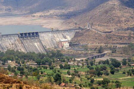 インド、マハラシュトラ州プネ地区 Dimba ダム