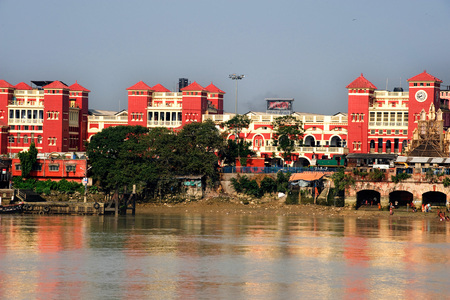Howrah railway station beside river ganga,Calcutta Kolkata,West Bengal,India Stock Photo - 85793399