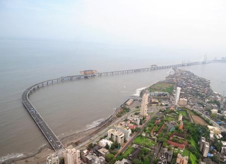 バンドラ worli の空撮ラジーヴ ・ ガンディー海リンク ウォーリ seaface、ボンベイ ムンバイ、マハラシュトラ州、インドの近く