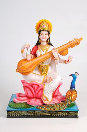 Estatua de la diosa saraswati, India Foto de archivo - 85909836