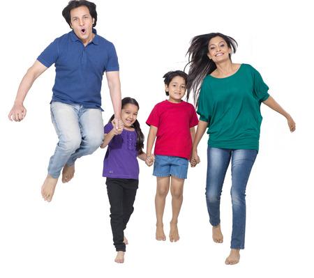부모와 함께 즐기는 아이들 스톡 콘텐츠