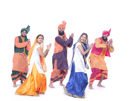 민속 무용 버간 라를 공연하는 댄서들 스톡 콘텐츠