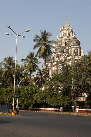 Empty road of headquarter building due to death of balasaheb thackeray mumbai maharashtra India Foto de archivo