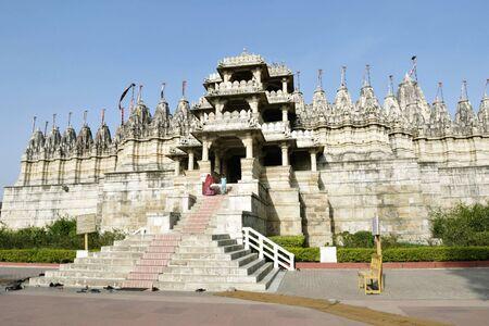 アーディナート ジャイナ教寺院ラーナクプル ラジャスタン州インド アジア 2010 年 6 月 写真素材