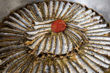 sardinas: sardinas cocinadas en sartén