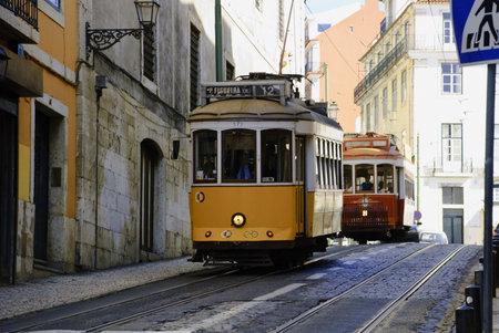 Old tram, Lisbon Stock Photo - 13160915