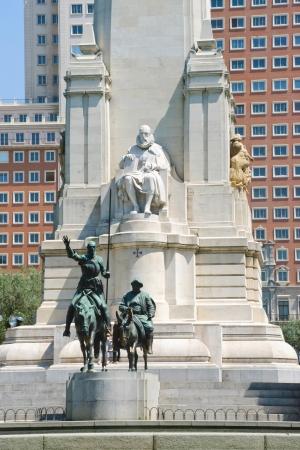 don quixote: Estatua de Don Quijote, Madrid, Espa�a