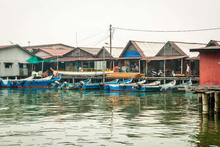 georgetown: Jetty with residential houses and boats in Georgetown, Penang, Malaysia