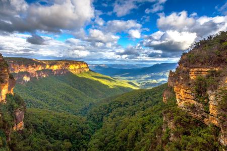 Ver sobre las montañas azules parque nacional, Australia Foto de archivo