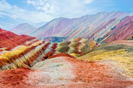 장예 Danxia 국가 지질 공원 간쑤 중국에서 무지개 산의 다채로운 풍경 스톡 콘텐츠