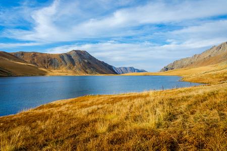 Black Rock lake in autumn colors, border lake between Georgia and Russia, Lagodekhi national park, Georgia Stockfoto