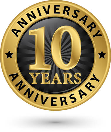 10 years anniversary gold label, vector illustration Vectores