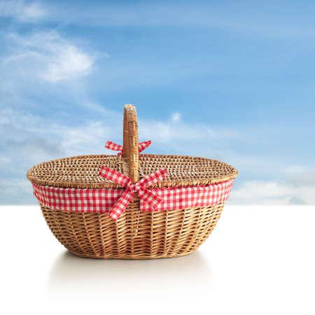 pic nic: pic nic basket Stock Photo