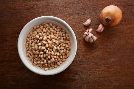 soak: beans soak in water