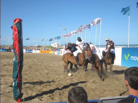Pinamar strand (Sea Avenue kruising Retama Street), Argentinië 2 januari 2013, Beach Polo SANCOR Grand Slam