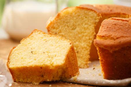 mazorca de maiz: Tradicional brasile�a torta Fuba Foto de archivo