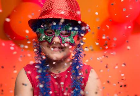 Bambino divertirsi al carnevale in Brasile Archivio Fotografico - 45531661