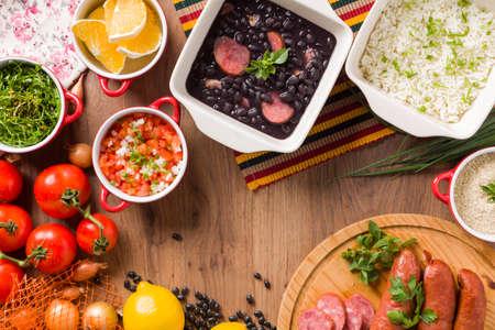 Feijoada, la tradition de la cuisine brésilienne Banque d'images - 49852549